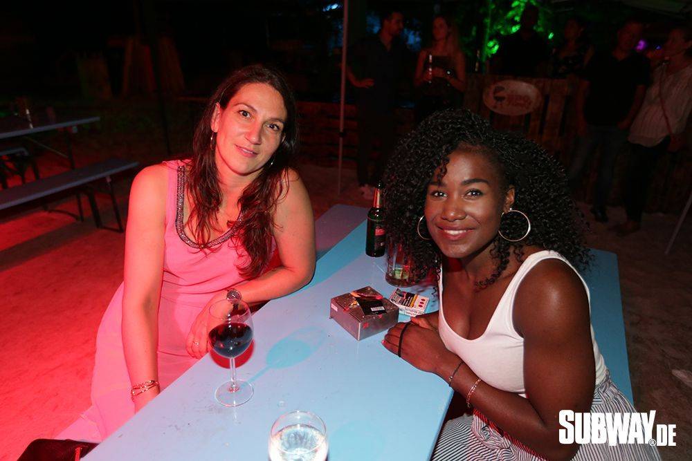 20190809-Salsa-on-the-Beach-Nizar-Fahem-Web-0002